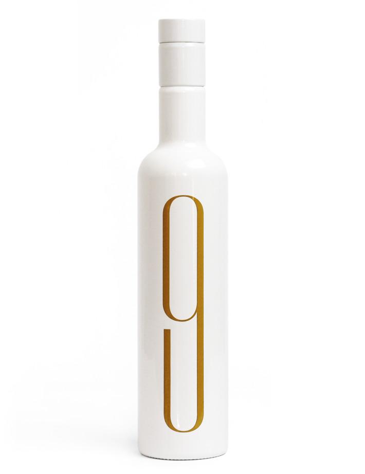 Fase, estudio de diseño gráfico. 9 Oliveres, diseño packaging aceite.